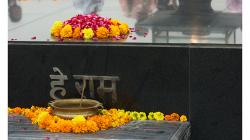 Raj Ghat - Hrobka Mahátma Gándhího