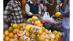 Pahar Ganj - Pouliční prodejce ovoce