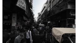 Staré Dílí - ulice nacpané k prasknutí