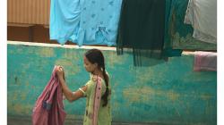 Agra - střecha je po ulici nejdůležitějším místem