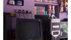 Internetová kavárna - chcete si zasurfovat nebo koupit toaletní papír? Máme obojí!