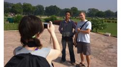 Khajuraho - chrámový komplex další focení s místními, Boydu prostě žrali :)
