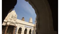 Khajuraho, další z chrámů