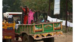 Takhle se jezdí na svatbu v Indii