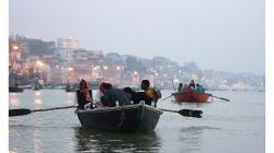 Varanasí - ranní vyjížďka loďkou po řece