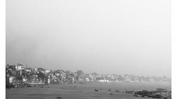 Varanasí - pohled na město z hotelu