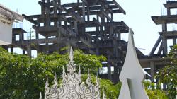 Wat Rong Khun - Bílý chrám, stále se staví