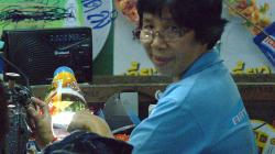 Trh pro místní v Chiang Rai, tahle paní mi myslím prodala kraťasy