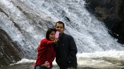 U vodopádu Mo Paeng Nam Tok