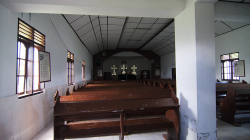 Uvnitř kostela / Inside of churche
