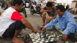 Pouliční hráči šachů, vážně váleli! /Street chess game players, really ruled!