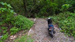 Po dvou kilometrech najednou konec silnice / After two kilometres the end of the road, suddenly