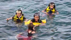 Plavání v plné polní / Fully clothed swimming