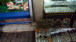 Chcete koupit maso, dýku nebo šperky? Máme vše! / Wanna buy meat, dagger or jewellery? We got all!