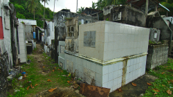 Trochu atypický hřbitov / Little bit unusual graveyard