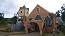 Kostel v kopcích / Church in the hills