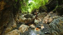 U jeskyně, průvodci měli baterku, ale ne angličtinu / By the cave, guides had flashlight but no english skills :)
