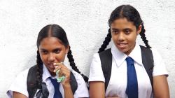 Copaté školačky - Braided schoolgirls