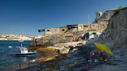 Bývalá rybářská vesnička pod hradbami Valletty, žije svým osobitým životem i nyní - Ex-fishermen village under Valletta walls, still living it's own life