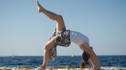 Jóga na pobřeží - Yoga by the sea