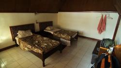 Jednoduše zařízený pokoj / Simple room