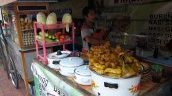 U prodeje kuřat se zpívá nejlépe / Singing while selling chickens is the best