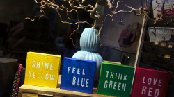 žlutá modrá zelená červená / yellow blue green red